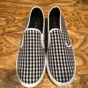 NEW Anna black and white gingham shoes sz 9